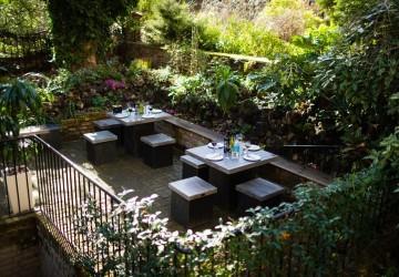De Morgan House - garden