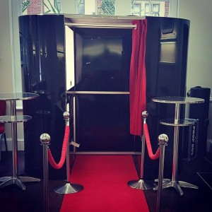 Showtime Photo Booth at Hallam 14569665_10210406334297340_352767460_n