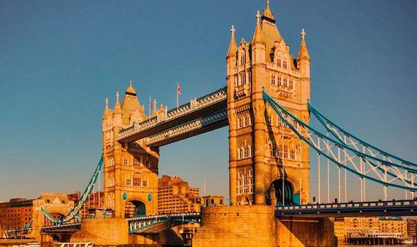 tower-bridge-390064